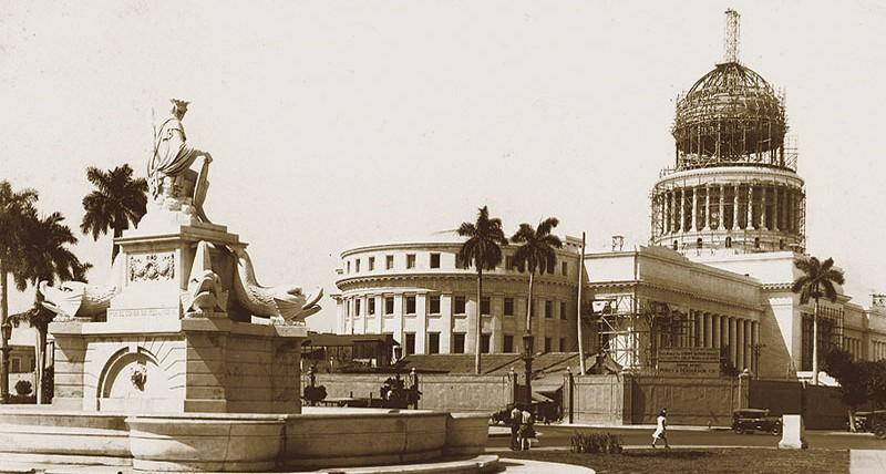 Havana_Capitolio_under_construction